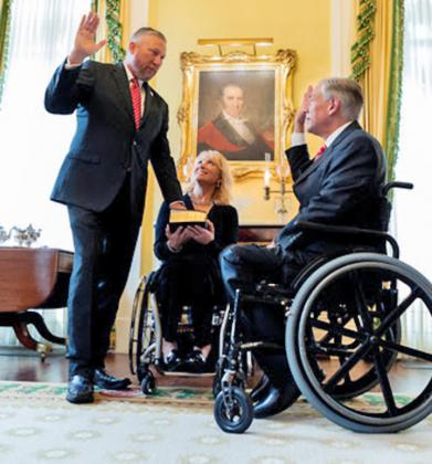 Gov. Abbott swears in Senator Springer